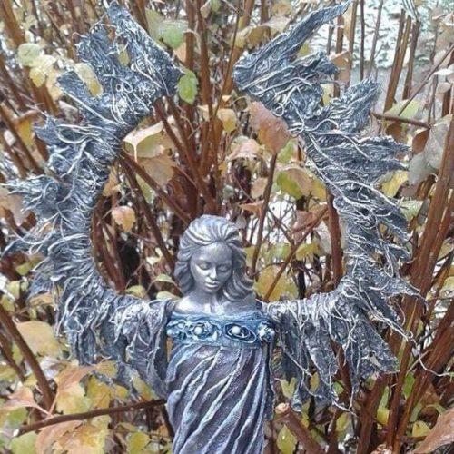 art dielo na objednávku socha s krídlami