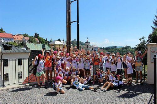 deti na výlete v tábore