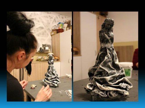 žena tvoriaca sochu na kurze pomocou Paverpolu